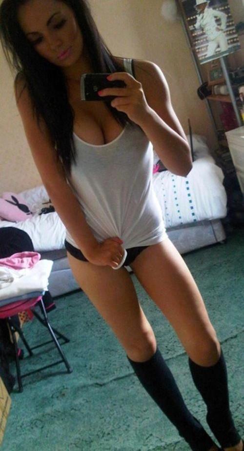 Ambil kekuatan Boob selfie Happy Girl (14)